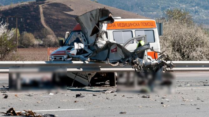 "Катастрофа между ""Ауди"" и ТИР, шофьор загина"