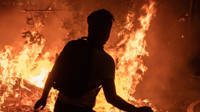Мъж се самозапали пред сградата на беларуското правителство в Минск
