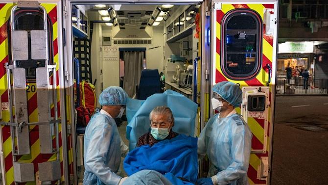 Огнище на COVID-19 в Шанхай, две болници са под карантина