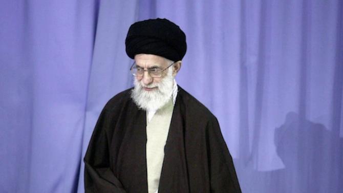 Туитър блокира акаунт на иранския върховен лидер заради предполагаема заплаха към Тръмп