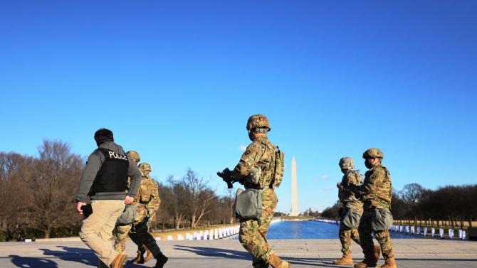COVID-19 плъзна сред войниците, охранявали Вашингтон