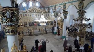 Православната църква почита паметта на Атанасий Велики