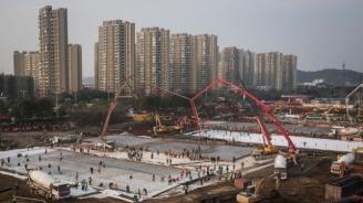 Китай строи гигантски карантинен център в провинция Хъбей