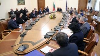 Борисов отпусна още над 2 млн. лв. за образователна инфраструктура, кметове благодарни