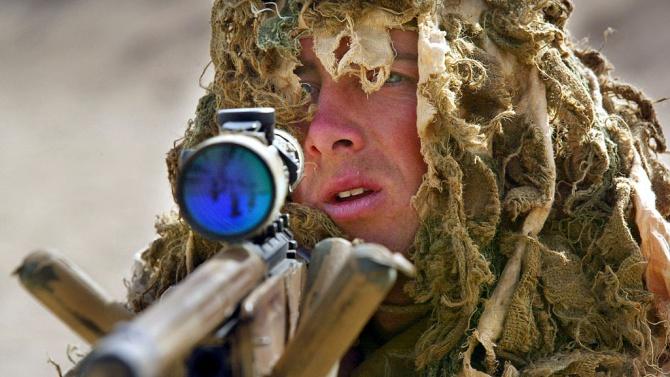 Снайперист направи (не)възможното: Уби петима с един изстрел от близо километър