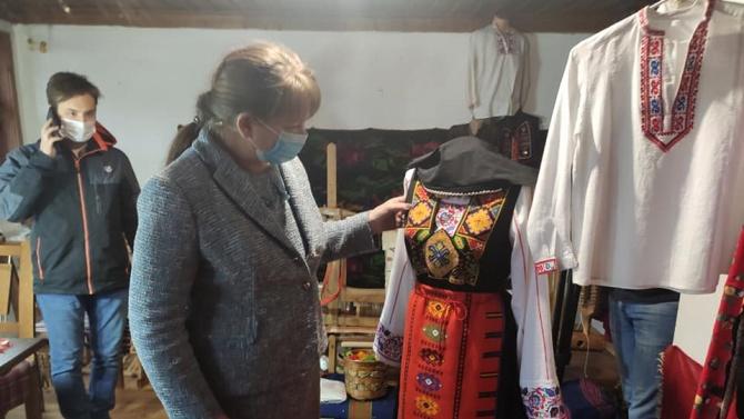 """Деница Сачева: Със 100 000 лева правителството подкрепи занаятчиите от """"Стария Добрич"""""""
