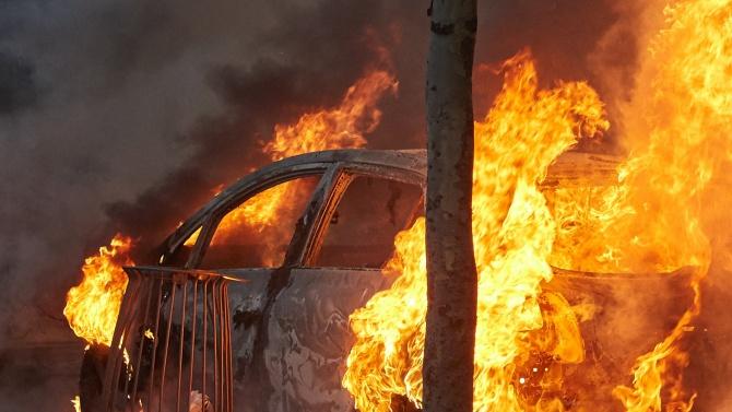 Мъж изгоря в собствената си кола минути след интервю за работа