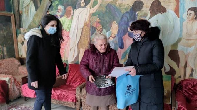"""Емил Радев подкрепи инициативата """"Читател на годината"""" на библиотеката в Силистра"""