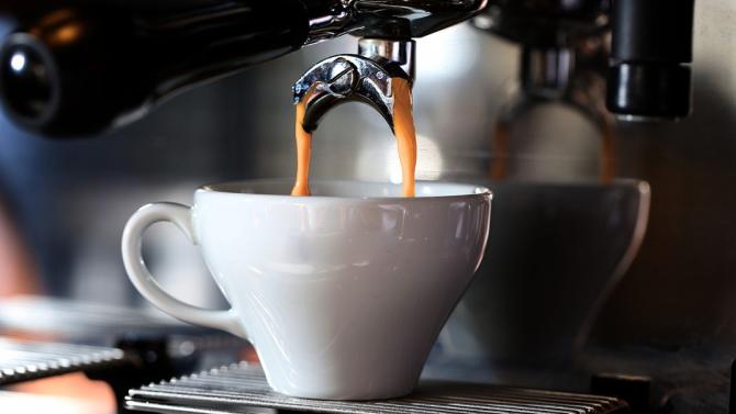 Влияе ли пиенето на кафе преди лягане на нашия сън
