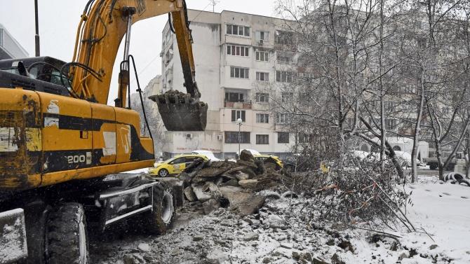 Продължава разрушаването на незаконните гаражи в София. След акцията в