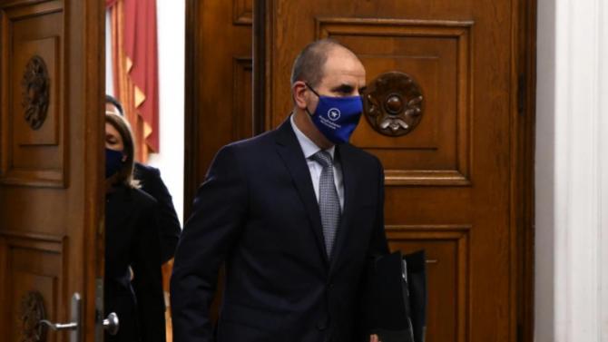 Цветанов и Вълнев: Защо Путин използва един газопровод, за да финансира своя корумпиран режим?
