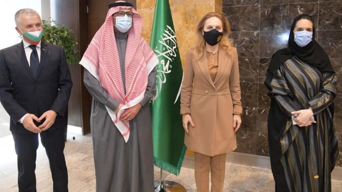 Марияна Николова в Саудитска Арабия: Скоро ще имаме споразумение за въздухоплаване