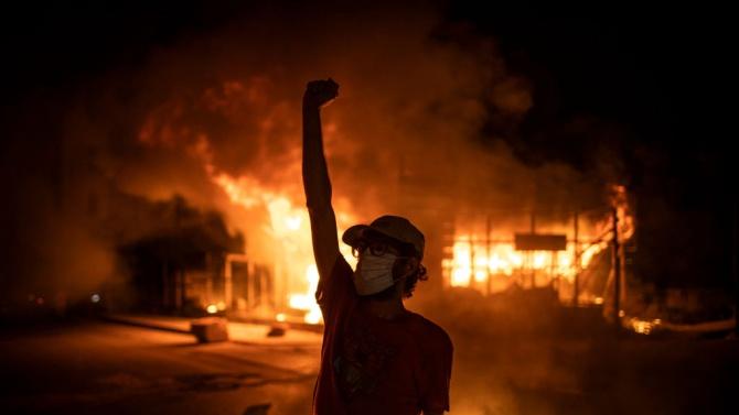 Най-малко 45 ранени при протести срещу антикоронавирусните мерки в Ливан