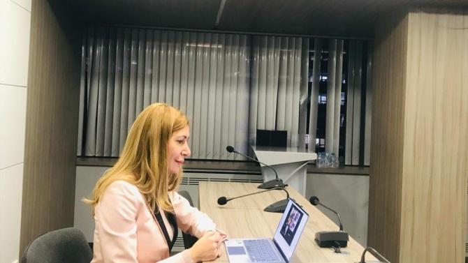 Ангелкова разговаря с конгресмен Брадли Шнайдер