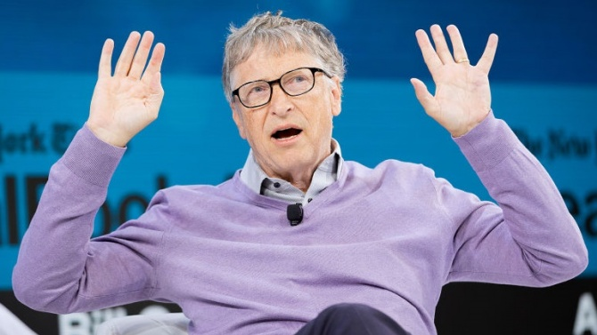 """Съоснователят на компанията """"Майкрософт"""" Бил Гейтс, който се изявява като"""