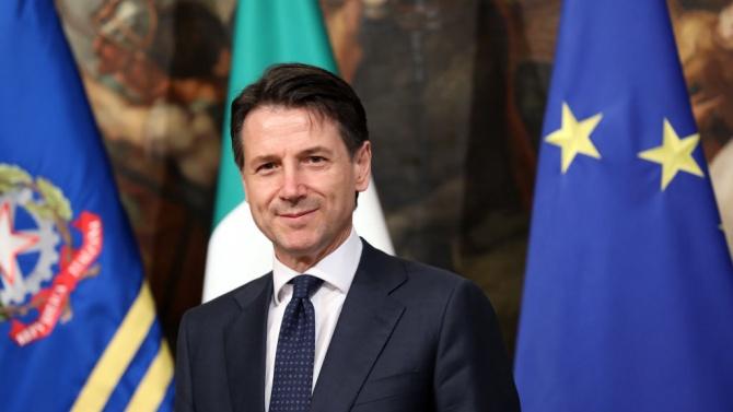 Джузепе Конте стана премиер на Италия, без никога да се
