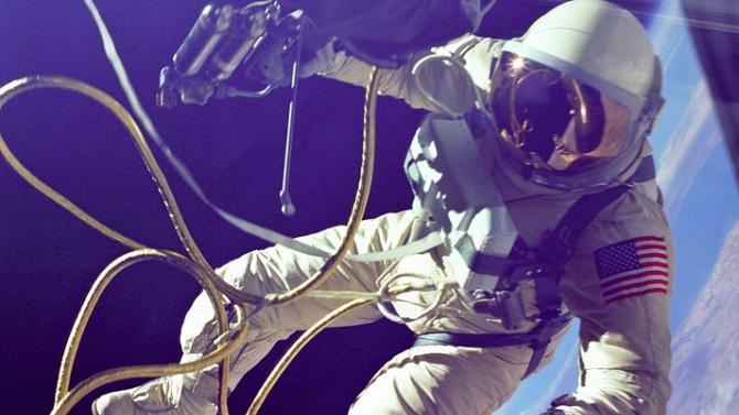 Астронавтите от НАСА излязоха в открития Космос