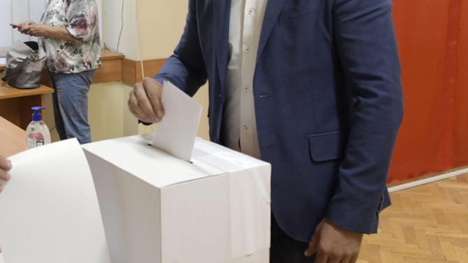 Какво може да провали ГЕРБ на изборите и кое носи гласове на ДБ и Трифонов?