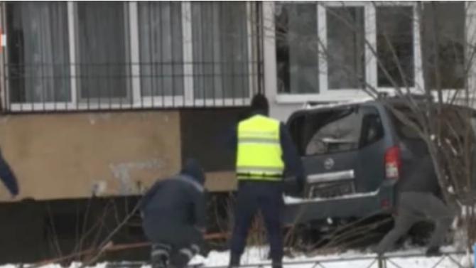 """Задържаха за 72-часа шофьора, който се заби в блок в столичния квартал """"Дружба"""""""