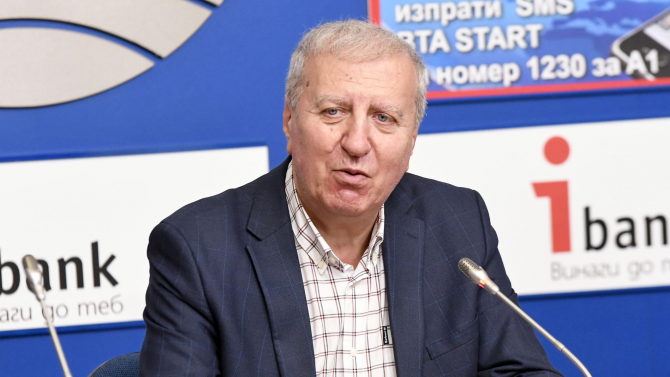 Александър Томов инициира подписка за издигането на Румен Радев за втори мандат за президент