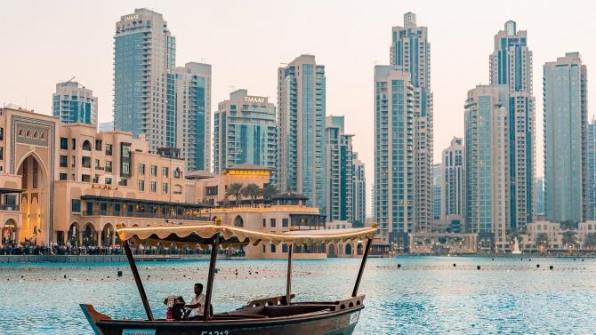 Дубай затяга правилата за чуждестранните туристи