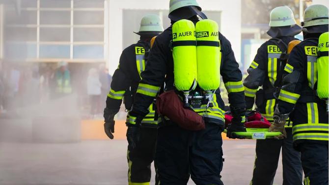 Четирима души загинаха при пожар в болница за лечение на COVID-19 в Румъния