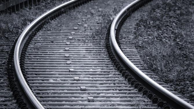 Мъж е оцелял, след удар от влак край село Ковачево