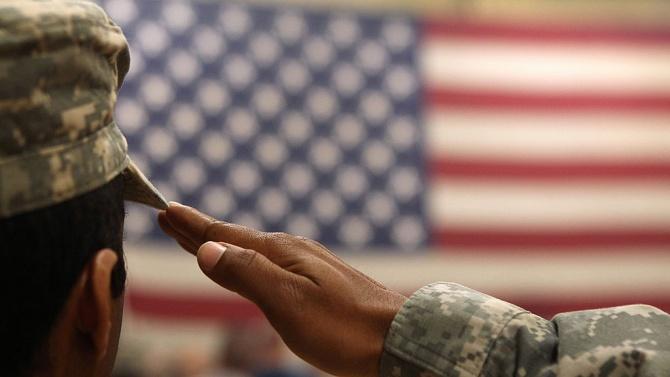 Двама американски войници са в критично състояние, след като погълнали неизвестно вещество