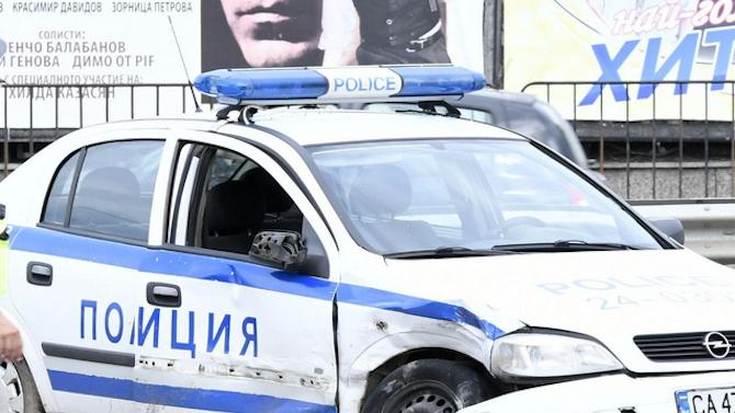 Полицаи са в болница след катастрофа с патрулка в София