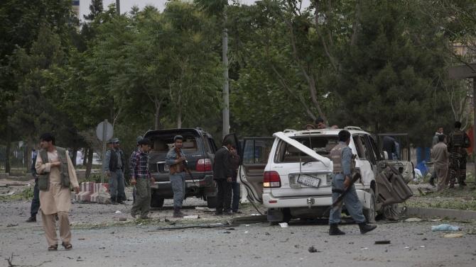 Атентатор с кола бомба уби 14 афганистански войници в източната провинция Нангархар