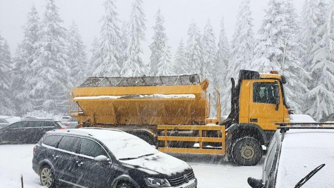 Възстановяват движението по планинските пътища на Витоша