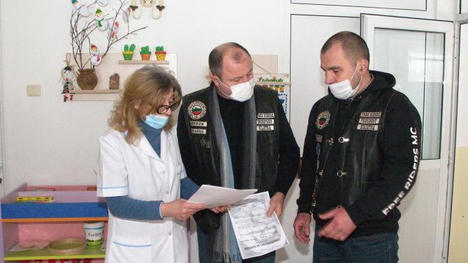 Кръстиха зала в лечебно заведение на починал от COVID-19 моторист