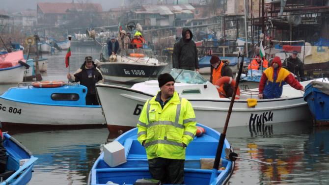 На мълчалив протест излязоха рибарите от Ченгене скеле