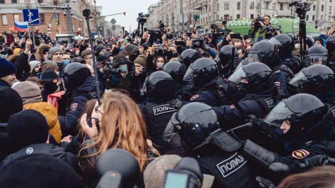 Масови арести на протестите в Русия