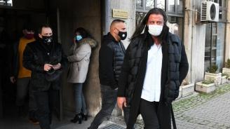 Собствениците на заведения поискаха оставката на министър Ангелов