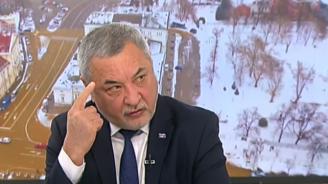 Валери Симеонов: Не съм показвал среден пръст