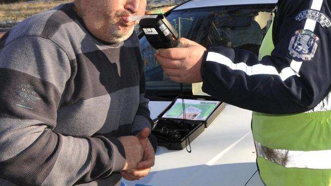55-годишен шофьор счупи дрегера с над 4 промила зад волана