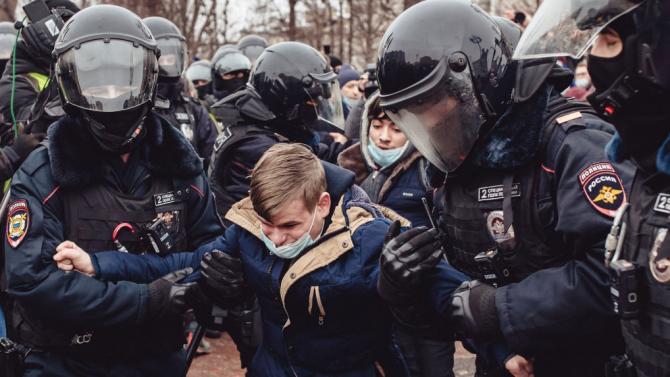 Премиерът: Осъждаме прекомерната сила, използвана срещу Навални, съпругата му и демонстрантите в Русия