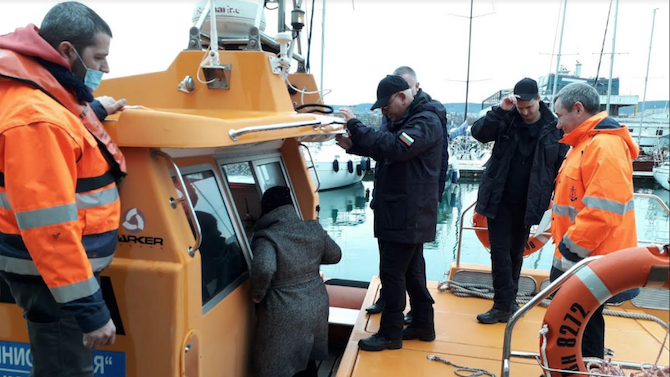 Ще се вземат нови проби на водата във Варненското езеро след отстраняване на аварията в тръбопровода