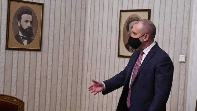 Клише ли е говоренето на Радев за корупцията?