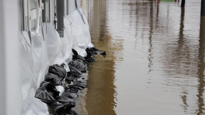 Бедствена ситуация в Измир поради наводнения след поройни дъждове