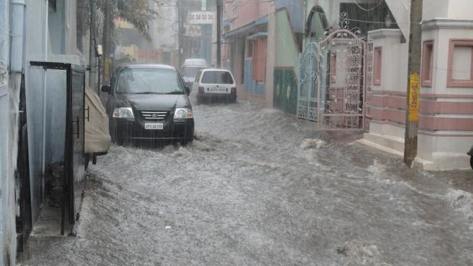 Наводненията в Турция взеха жертва, Тунджа прелива край Одрин