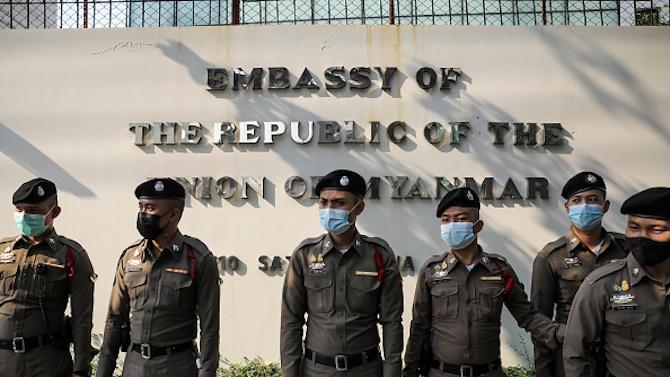 Появиха се кадри от военнияпреврат в Мианма
