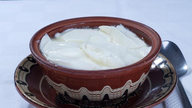 Киселото мляко и бялото саламурено сирене стават защитени продукти?