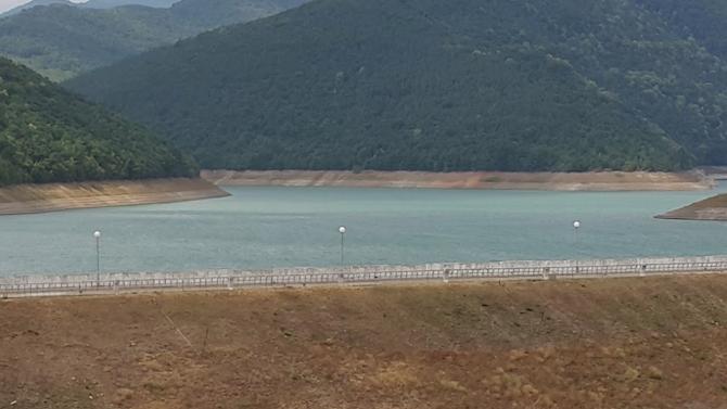 """Нивото на язовир """"Асеновец"""" край Сливен е нараснало до 17.5 млн.куб.м."""