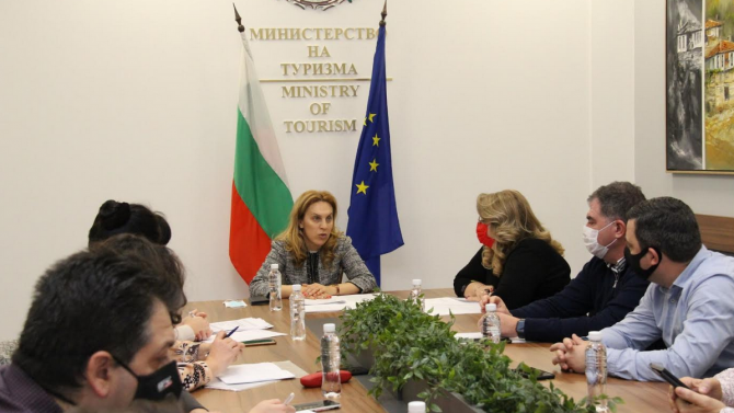 Мариана Николова пред туроператори: Полагаме максимални усилия за подкрепа на отрасъла