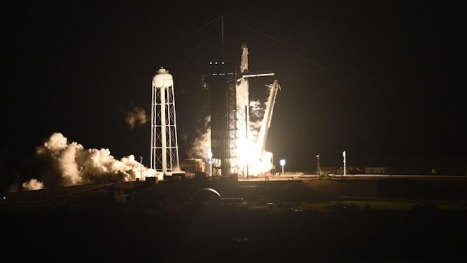 """Взриви се прототипът на """"Спейс Екс"""", който трябваше да лети до Марс"""