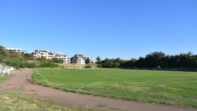 """Кметът на Асеновград и бизнесмени обсъдиха бъдещето на стадион """"Шипка"""""""