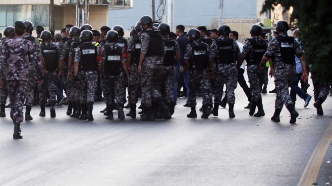 Полицията блокира центъра на Тунис