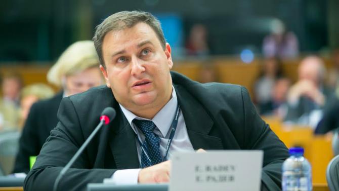 Емил Радев подкрепи инициатива за ефективно противодействие на сексуалното насилие над деца онлайн